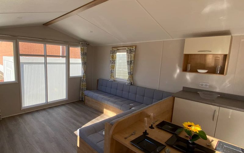 Salón y comedor de la Mobil Home Willerby Timanfaya 2 habitaciones